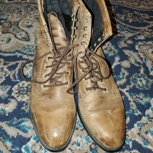 Men's 8.5 Ariat Lace up Distressed Boots